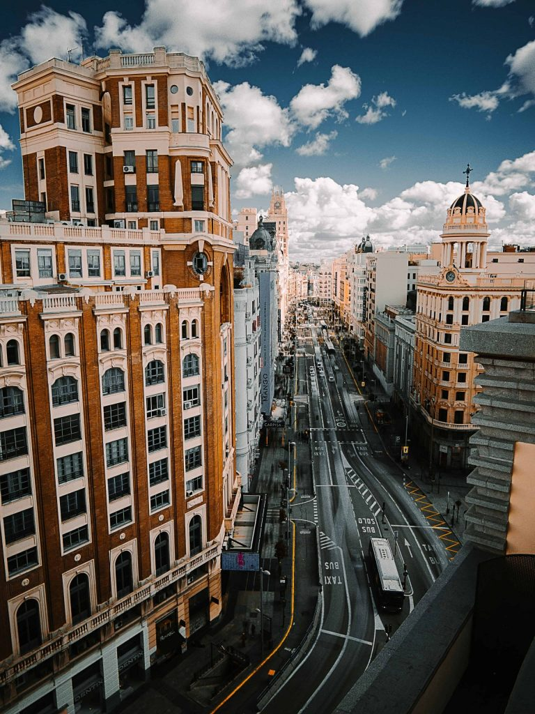ABOGADOS MULTIDIVISA EN MADRID scaled